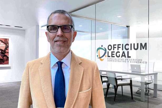 Luis Diego Flores Zuniga
